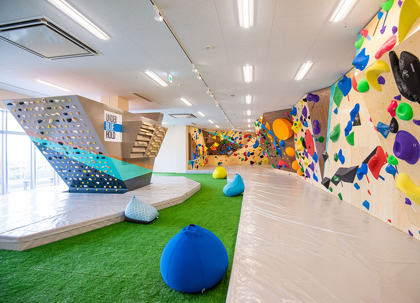 Dボルダリング沖縄豊崎店はキッズにもおすすめの施設です